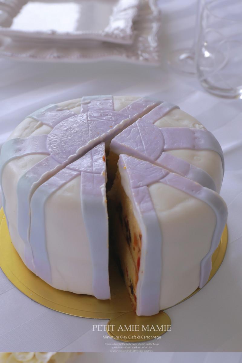 本物の食べられるフラワーケーキをいただき構造もみちゃいました(^^♪