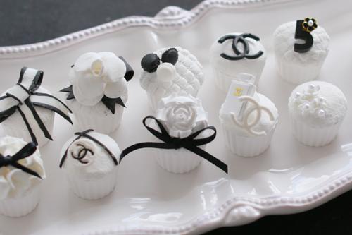 ミニチュアカップケーキ